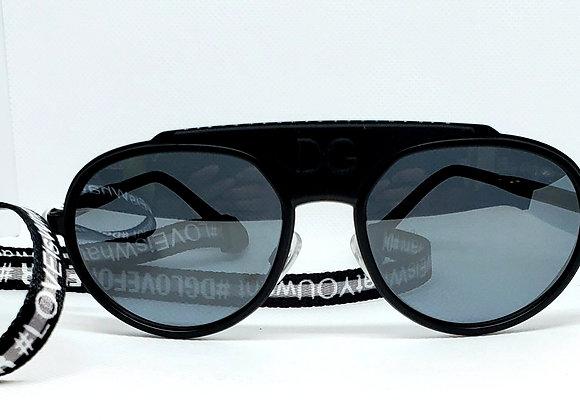 Dolce & Gabbana DG2210 Sunglasses Black/White
