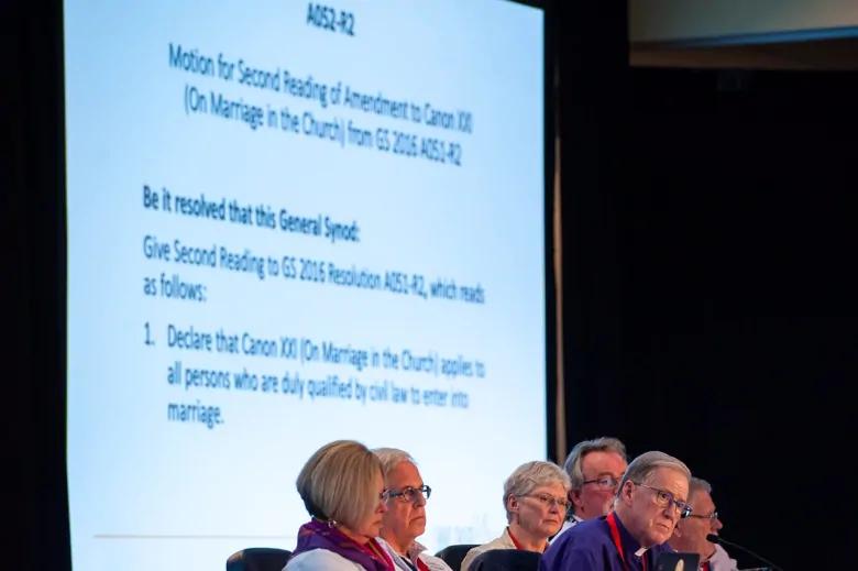 London anglican priest backs same
