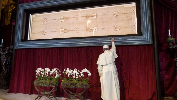 Pope Francis at the Turin Shroud in June 2015.   (Vatican Media)