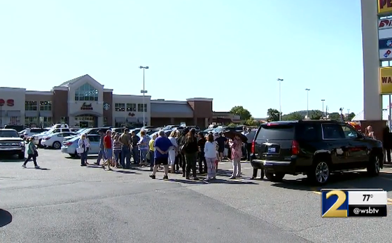 Nearly 100 People Hold Prayer Vigil For Cashier Who Was Told To Stop Praying With Customers