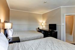 Standard 2-Queen Room