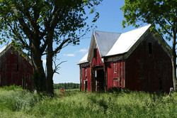 iowa-barn-savers-bank-barn-exterior-side