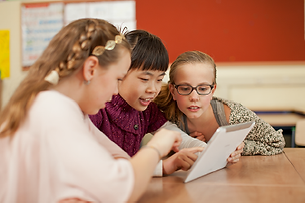 Leerlingen bezig met de Onlineklas portal