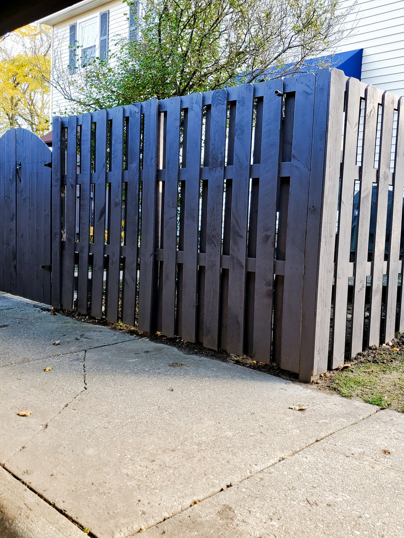 Uniform fence with double gate