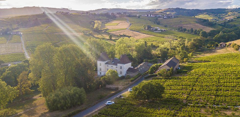 Chateau_Raousset_vue-Chiroubles.jpg