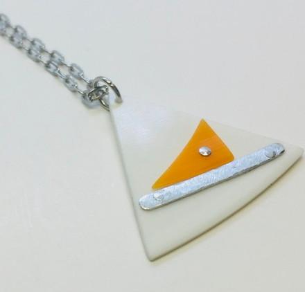 fan-necklace-2