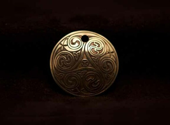 celtic-art-spiral-pendant-etched-in-brass