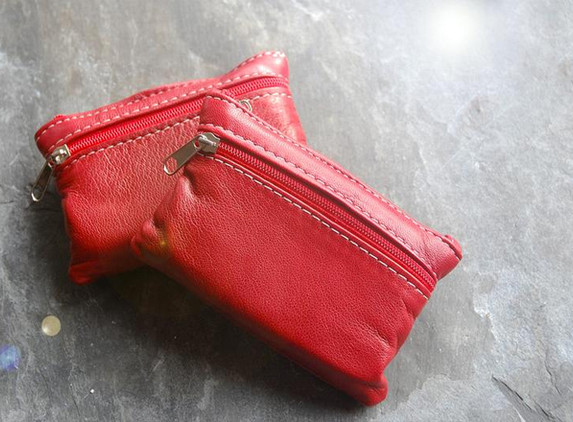 red-leather-coin-purse-a-beautifully-soft-small-pouch