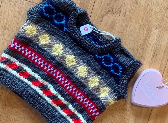 baby-v-neck-sleeveless-jumper-ferile-style-pattern