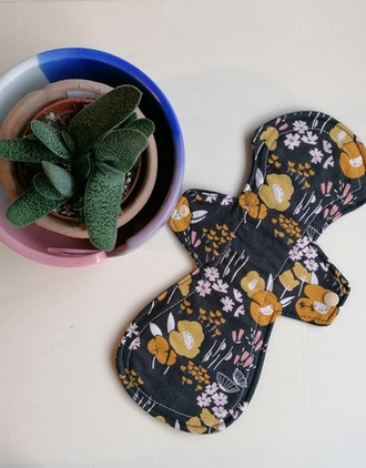 cloth-feminine-pad-long-medium-floral-titan