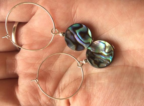 natural-paua-pearl-earrings