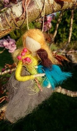 needle-felted-mother-and-daughter