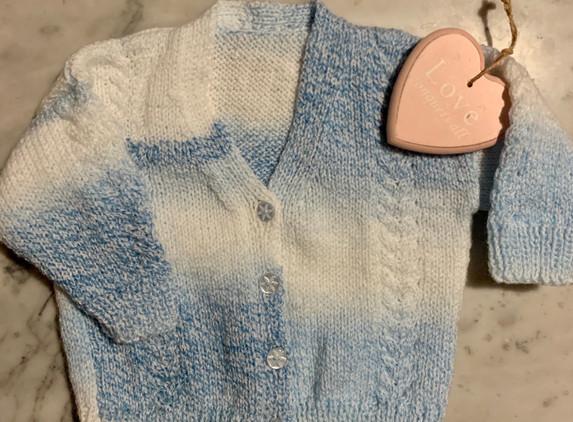 baby-cardigan-v-neck-handknit