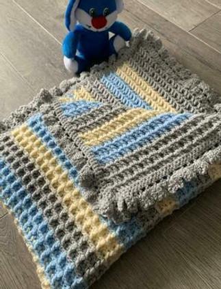 handmade-baby-blanket-blue