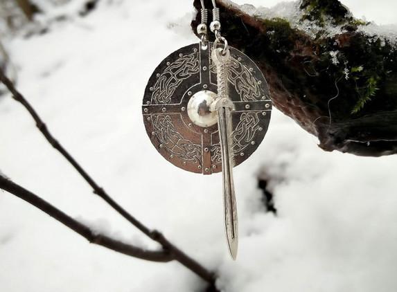 celtic-shield-maiden-earrings