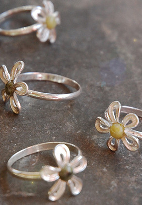 flower-ring-with-4mm-connemara-marble-centre