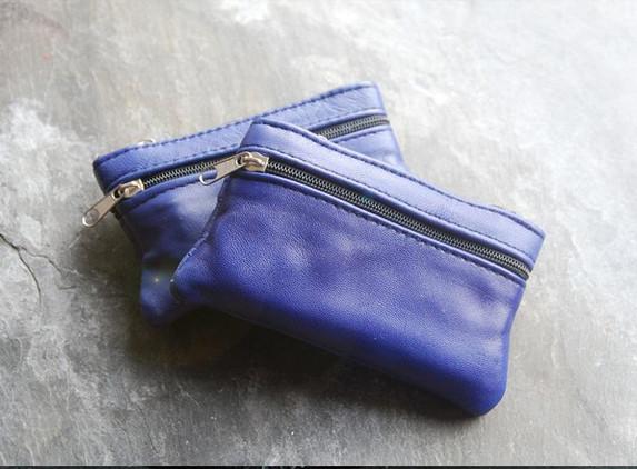 leather-coin-purse-with-irish-connemara-marble-bead