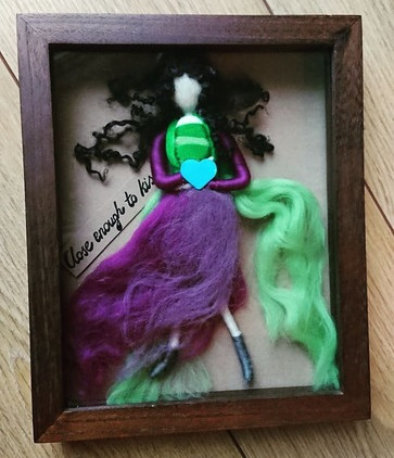 3d-needle-felted-picture-babywearing-mother-figurine