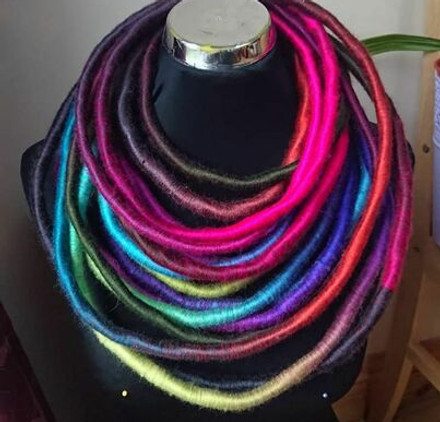 unique-yarn-wrapped-necklace-5
