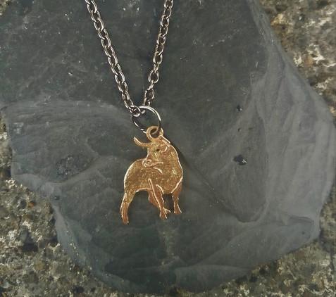 celtic-zodiac-bull-pendant-small-version