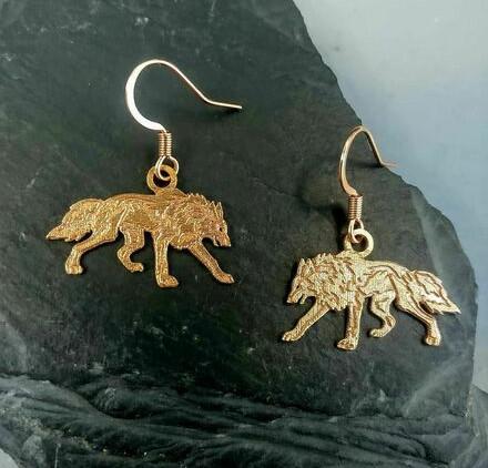 celtic-zodiac-wolf-earrings-bronze