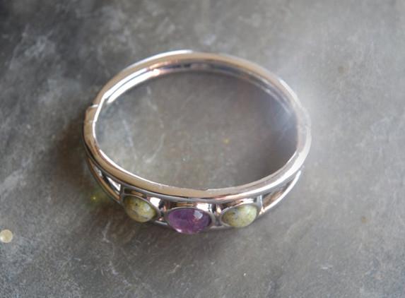 irish-connemara-marble-spring-bangle