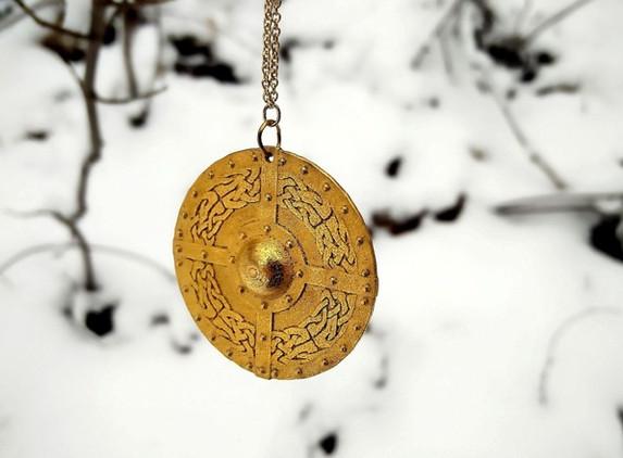 celtic-shield-pendant