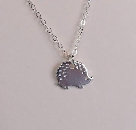 silver-hedgehog-necklace