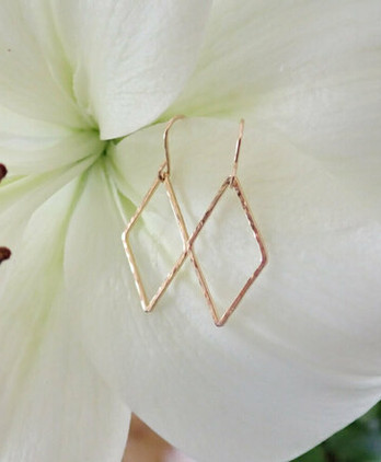 gold-diamond-earrings
