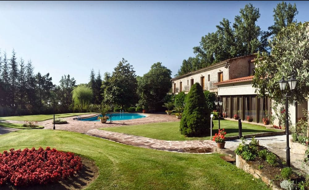 Can Marlet is one of the most romantic wedding locations in Catalonia. Its located in the Montseny Nationalpark. Your can rent this venue for your special wedding day.