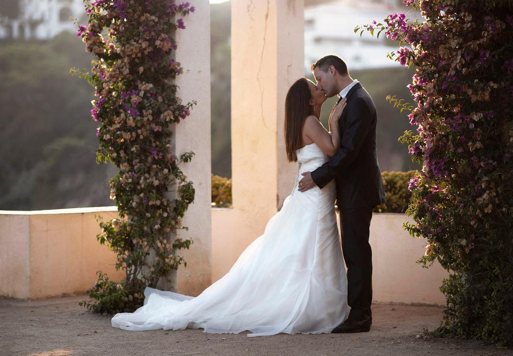 romantic_wedding_photo_paris.jpg