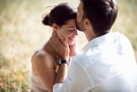 Engagement_photo_shoot_Paris.jpg
