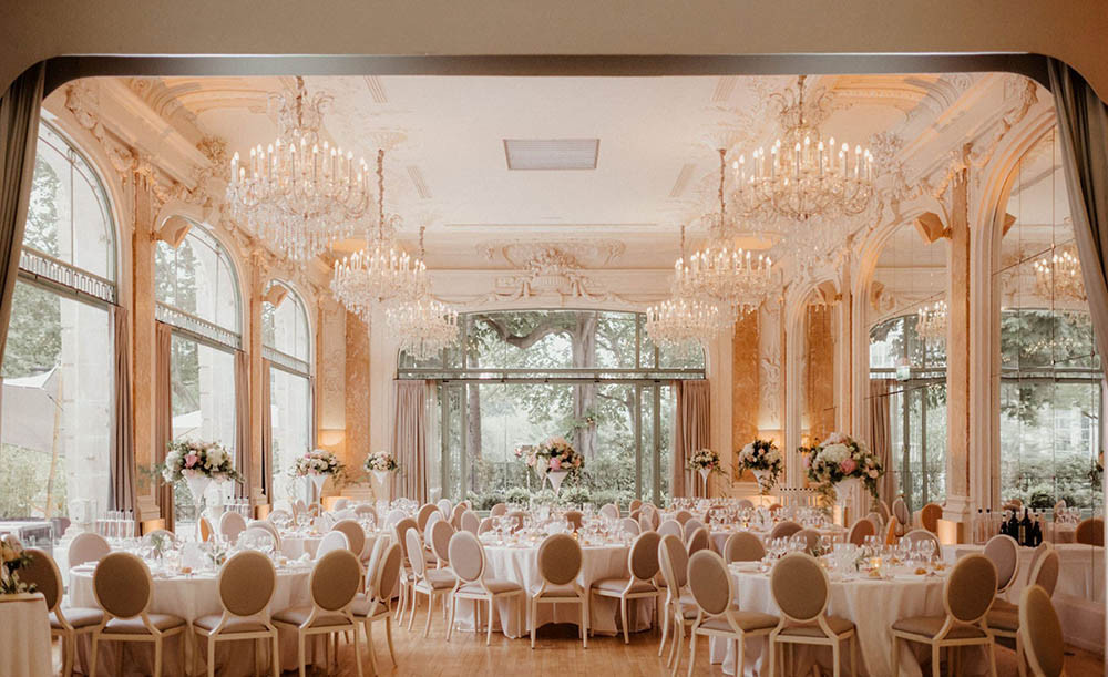 The best wedding destinations in Paris. Pavillon Dauphine Paris is one of the most demanded wedding venues in France.