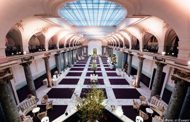 Pavillon Cambon Capucines is one of the best and most romantic places to hold your wedding in Paris. It is among the top 10 wedding locations in Paris, France. Yvo Greutert Wedding Photography