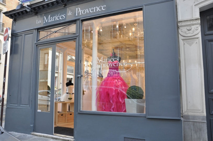 Les Mariées de Provence, one of the top places to get your wedding dress if you are getting married in Paris. Yvo Greutert english speaking wedding photographer Paris. Bridal, dress