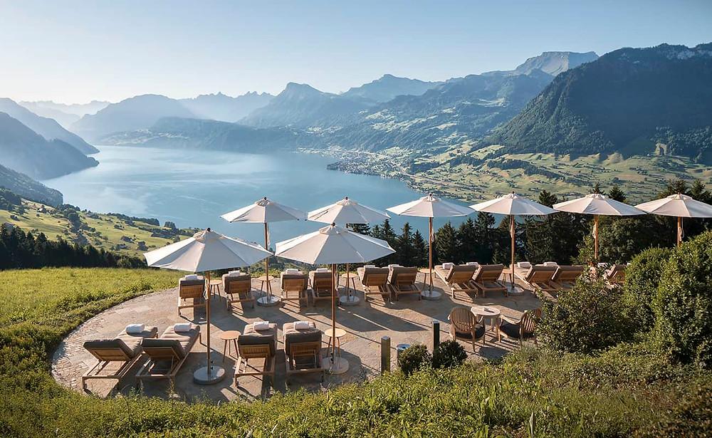 Wunderschöne Hochzeitslocation Hotel Villa Honegg in der Zentralschweiz. Schweizer Hochzeitsfotograf Yvo Greutert