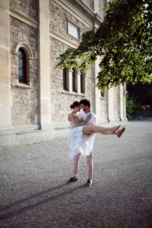 Paarfotos Zürich City Schweiz. Fotograf Hochzeit Yvo Greutert