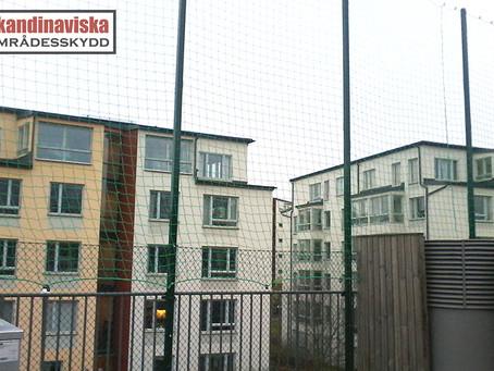 Högt stängsel för bollplaner och idrottsplatser