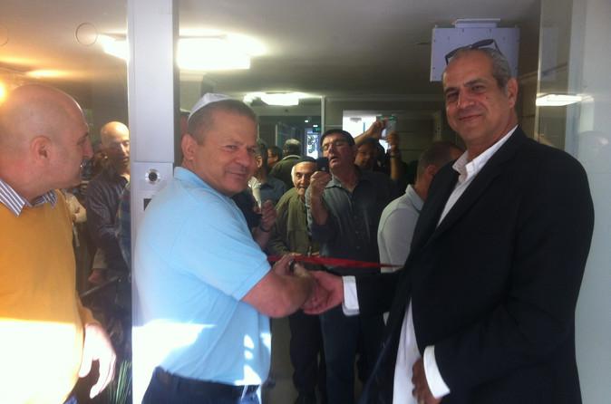 חנוכת הבית האורנים 5 הוד השרון בהשתתפות ראש העיר