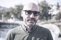 Le port de lunettes Man