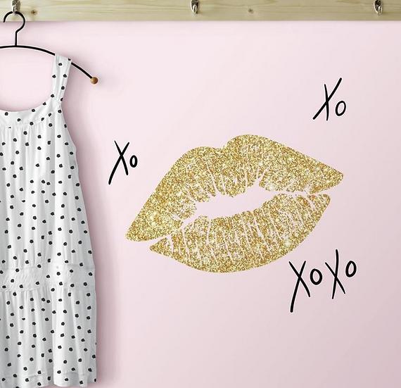 XOXO Lip Glitter