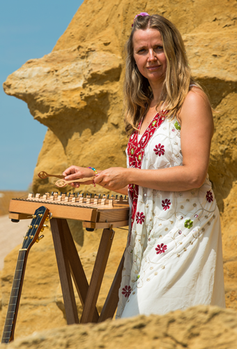 Magdalena Atkinson | Interactive Concerts | Music Workshops | Music Albums