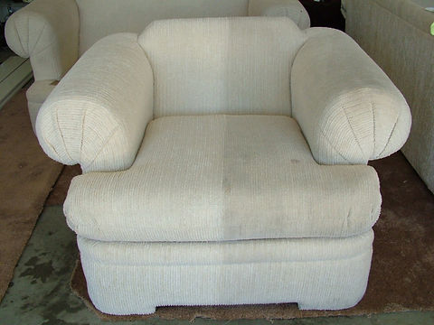upholstery cleaning before and after 1.J