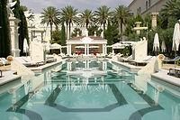 vs Hotels.com.JPEG