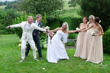 Braut in der Mitte