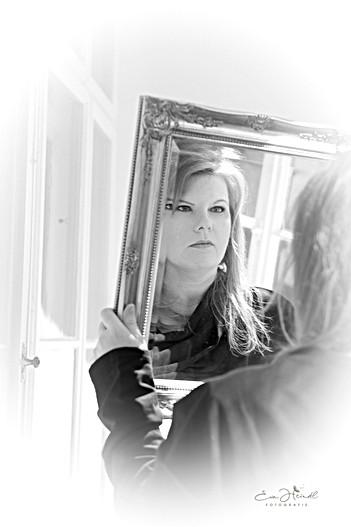 Frau im Spiegel