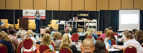 Traey Lee Davis, ZingPop Social Media, at the NatonalGif Basket Convention