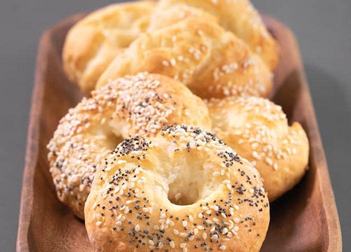 WW-Bagels-serving.jpg
