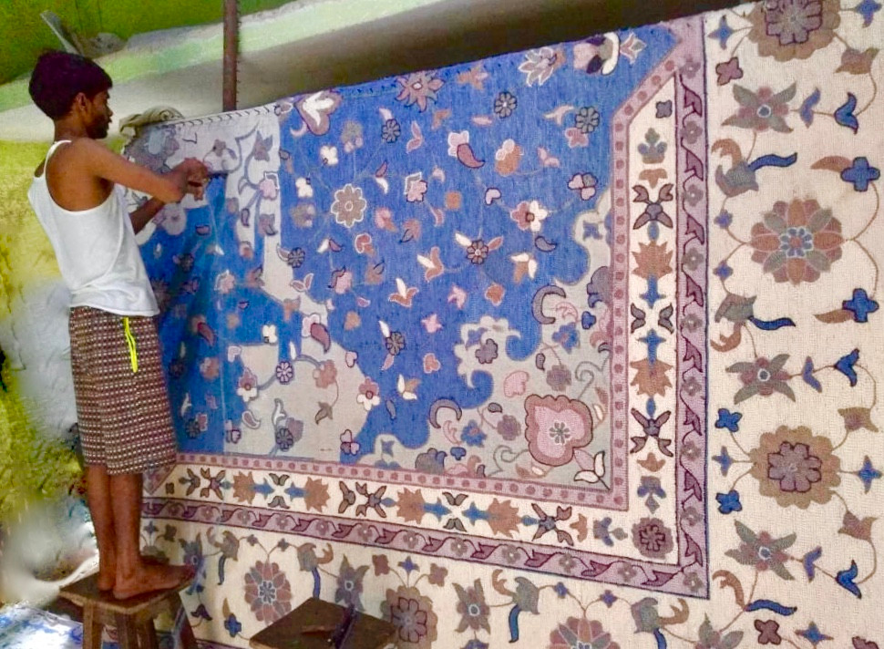 Weaver working on Hand-knotted Rug, Handmade Rugs at Rugs.Usv