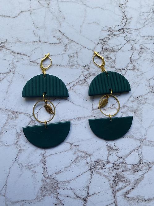 Smaragd green leaf circle